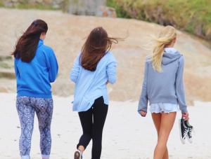 girl-women walking exercise